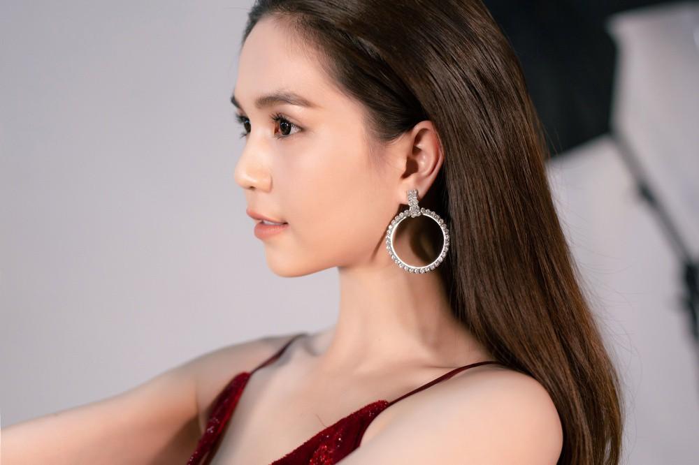 Ngọc Trinh hội ngộ Quỳnh Thư, Lê Hà, sẵn sàng sải bước catwalk lần cuối tại Đêm hội chân dài 12 - Ảnh 5.