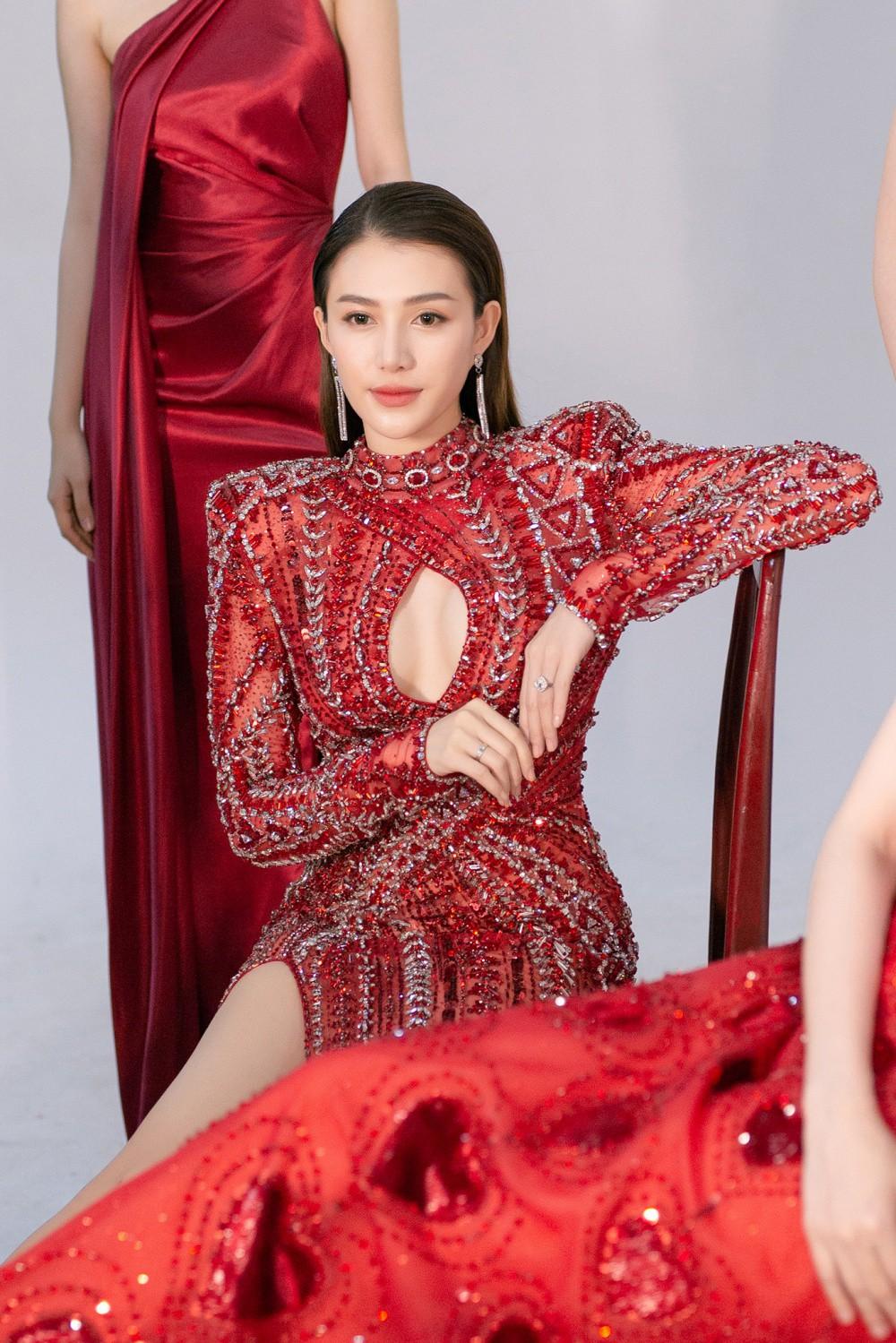 Ngọc Trinh hội ngộ Quỳnh Thư, Lê Hà, sẵn sàng sải bước catwalk lần cuối tại Đêm hội chân dài 12 - Ảnh 7.