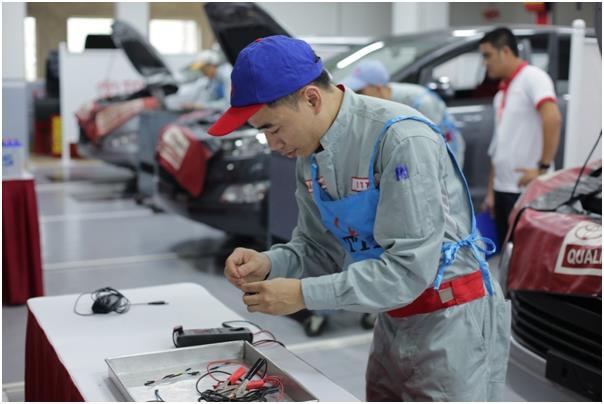 Toyota Việt Nam hỗ trợ nâng cao chất lượng tay nghề từ giảng đường - Ảnh 1.