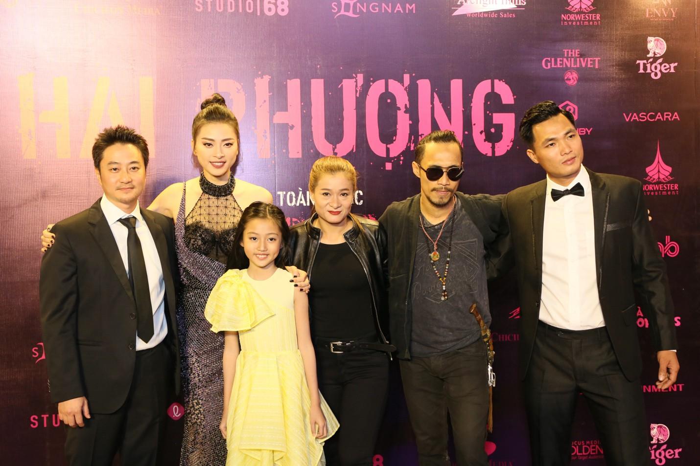 Sau buổi công chiếu, Hai Phượng được đánh giá là bom tấn phim hành động Việt 2019 - Ảnh 2.