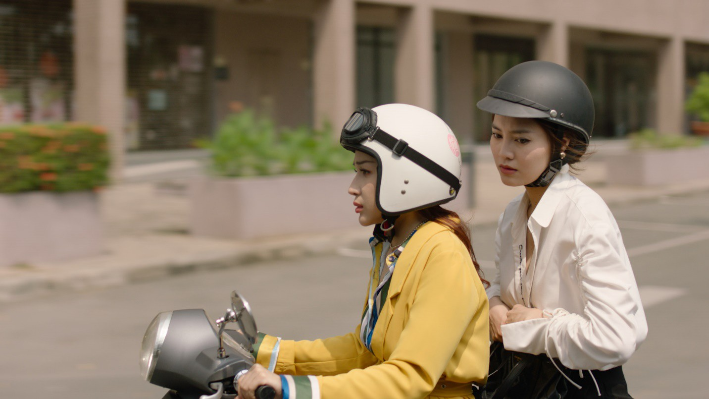 """Tết không cần phải đi chơi xa chỉ cần cười thả ga với Khả Như, Mạc Văn Khoa trong """"Cua lại vợ bầu"""" - Ảnh 5."""