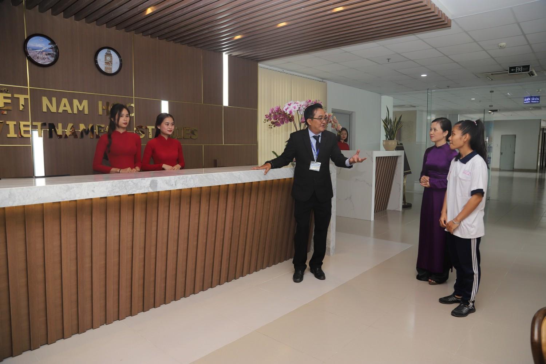 Trải nghiệm phòng thực hành đẳng cấp của khoa Du lịch & Việt Nam học trường ĐH Nguyễn Tất Thành - Ảnh 1.