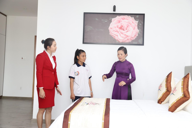 Trải nghiệm phòng thực hành đẳng cấp của khoa Du lịch & Việt Nam học trường ĐH Nguyễn Tất Thành - Ảnh 3.