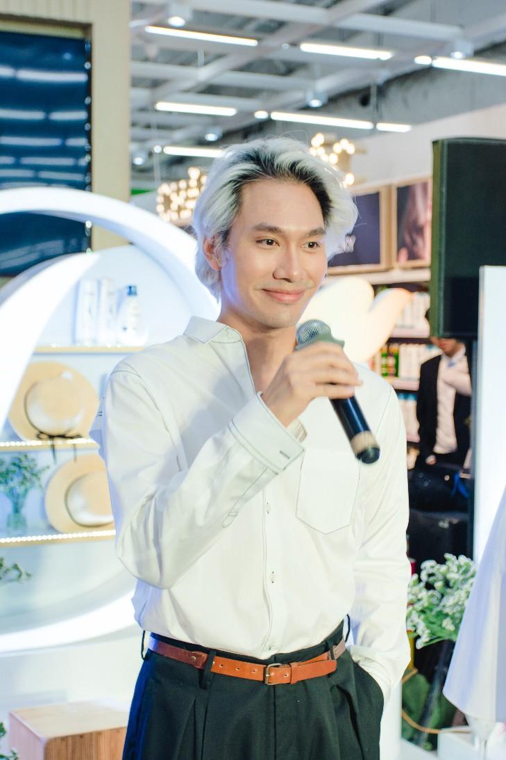"""NTK Lý Quí Khánh: """"Vẻ đẹp vốn là sự tự do, không có tiêu chuẩn, miễn là bạn biết yêu thương, trân trọng bản thân"""" - Ảnh 1."""
