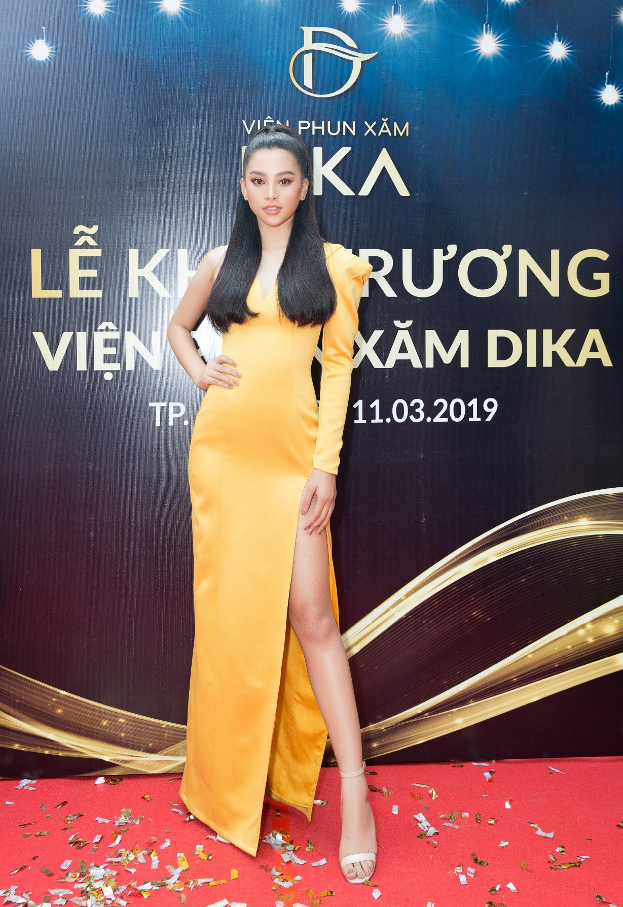 Hoa hậu Tiểu Vy ngời ngời khí chất dự khai trương viện phun xăm thẩm mỹ - Ảnh 4.