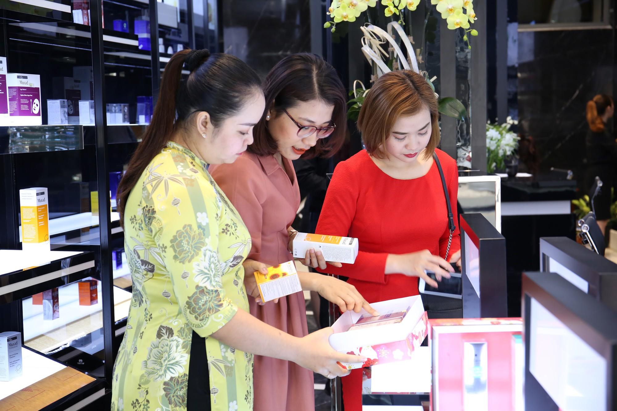Hoa Anh Đào khai trương cửa hàng mỹ phẩm tại đường Hai Bà Trưng - Ảnh 9.