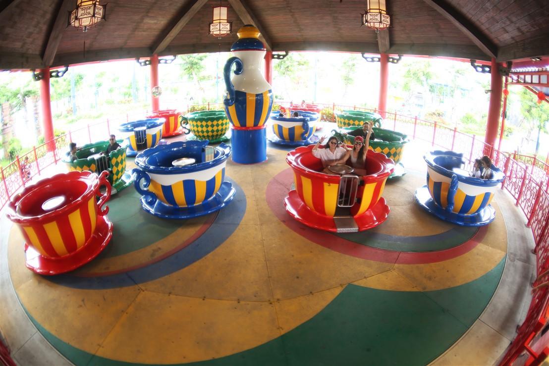 Vui quên lối về tại công viên chủ đề lớn bậc nhất Đông Nam Á chỉ với 50.000 đồng - Ảnh 2.