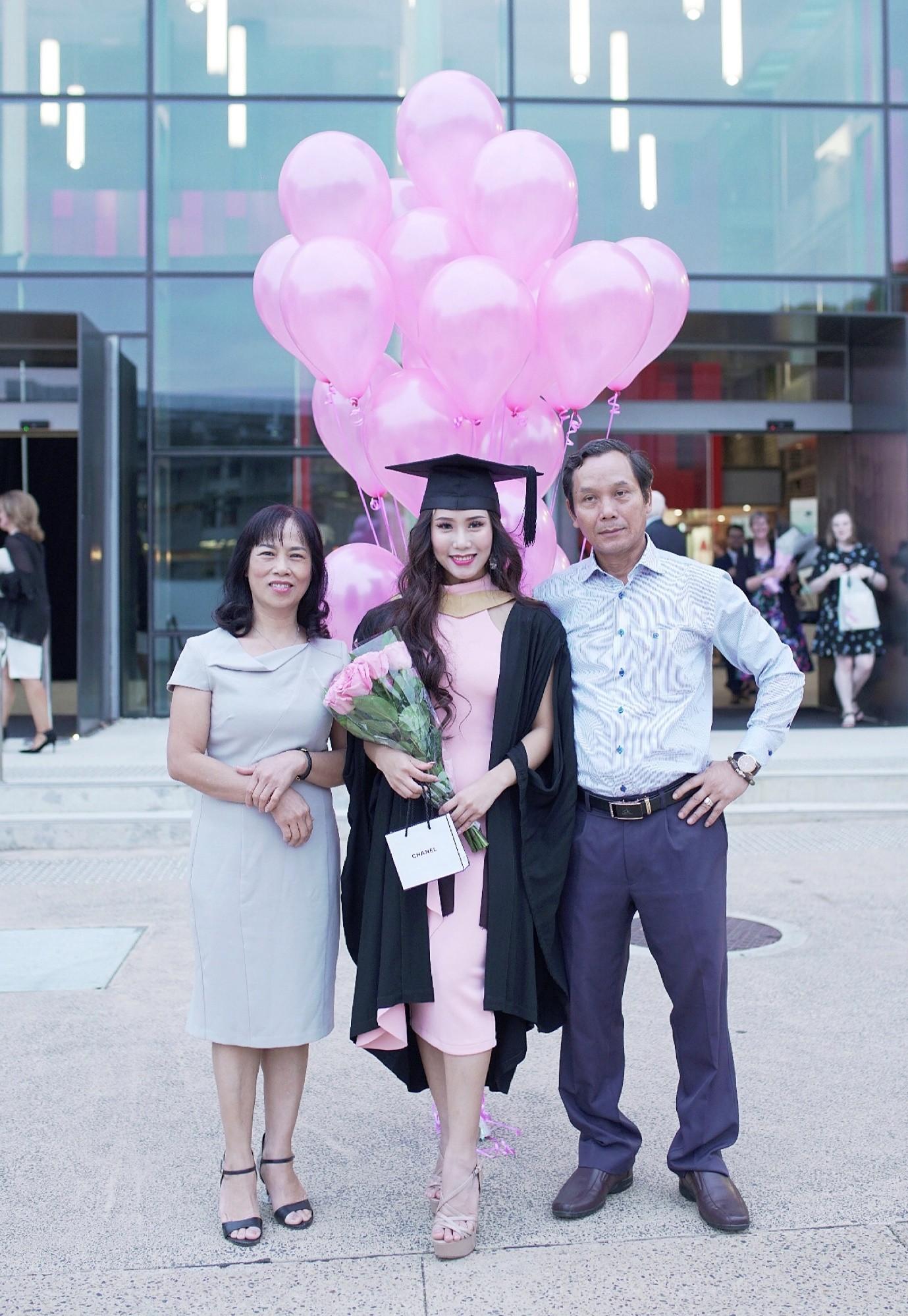Từ quá khứ bị bắt nạt học đường đến vương miện hoa hậu của nữ sinh Việt trên đất Úc - Ảnh 2.