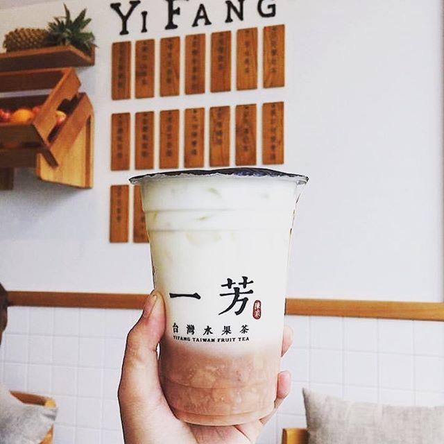 Điều gì khiến trà sữa, sữa tươi khoai môn Yifang gây sốt giới trẻ mấy ngày qua - Ảnh 3.