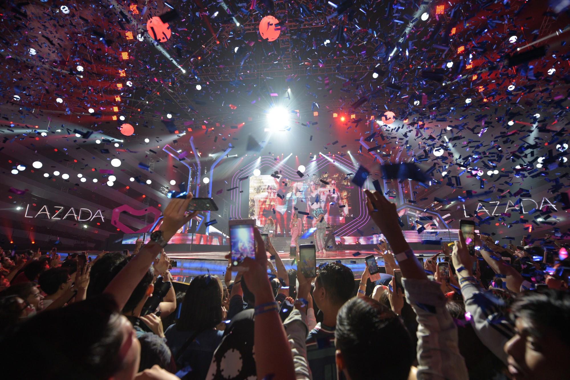 """Dua Lipa """"cân"""" cả đêm nhạc tại Indonesia, nhưng Đông Nhi ngầu chẳng kém khi hát tiếng Anh cực """"nuột"""" - Ảnh 5."""