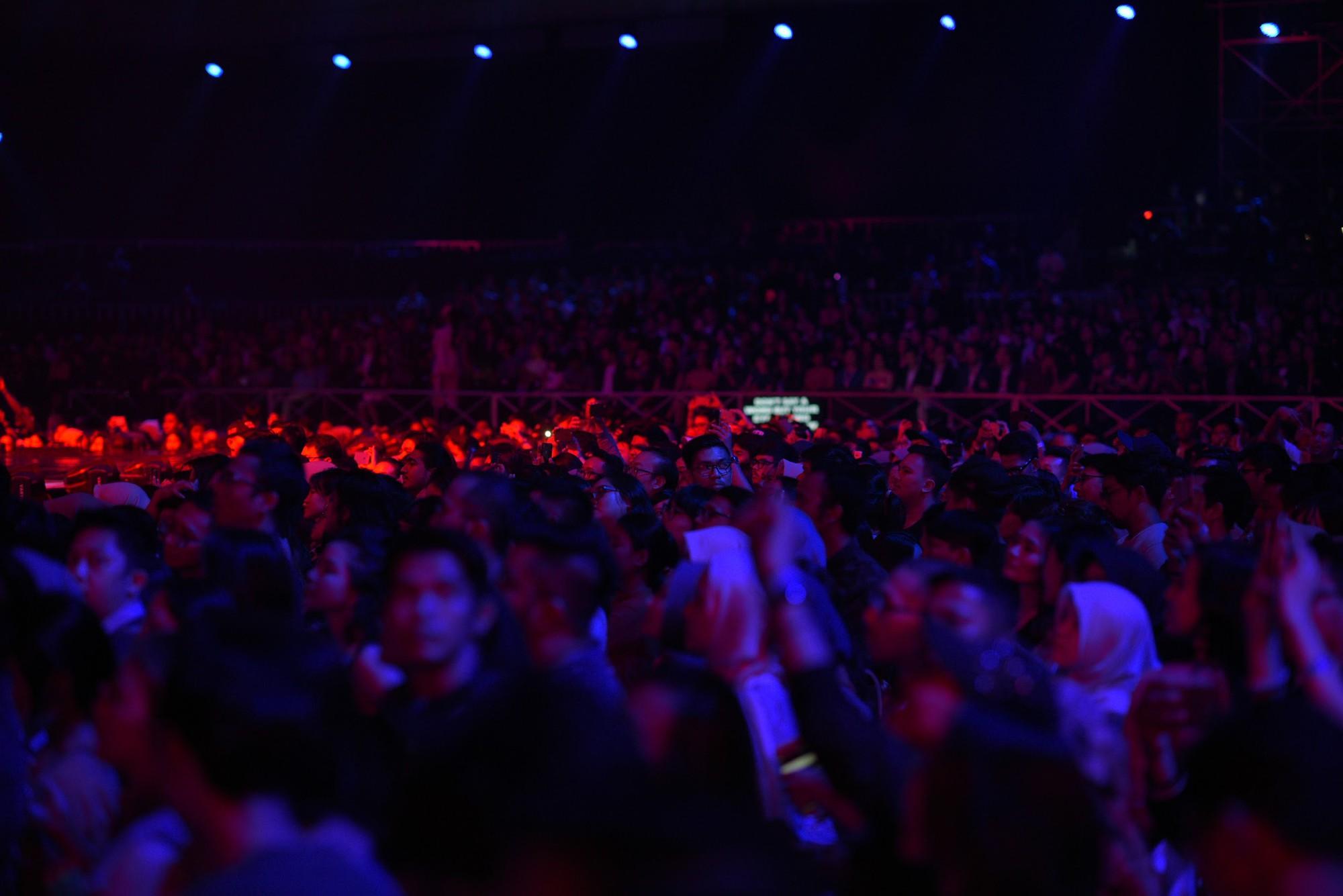 """Dua Lipa """"cân"""" cả đêm nhạc tại Indonesia, nhưng Đông Nhi ngầu chẳng kém khi hát tiếng Anh cực """"nuột"""" - Ảnh 9."""