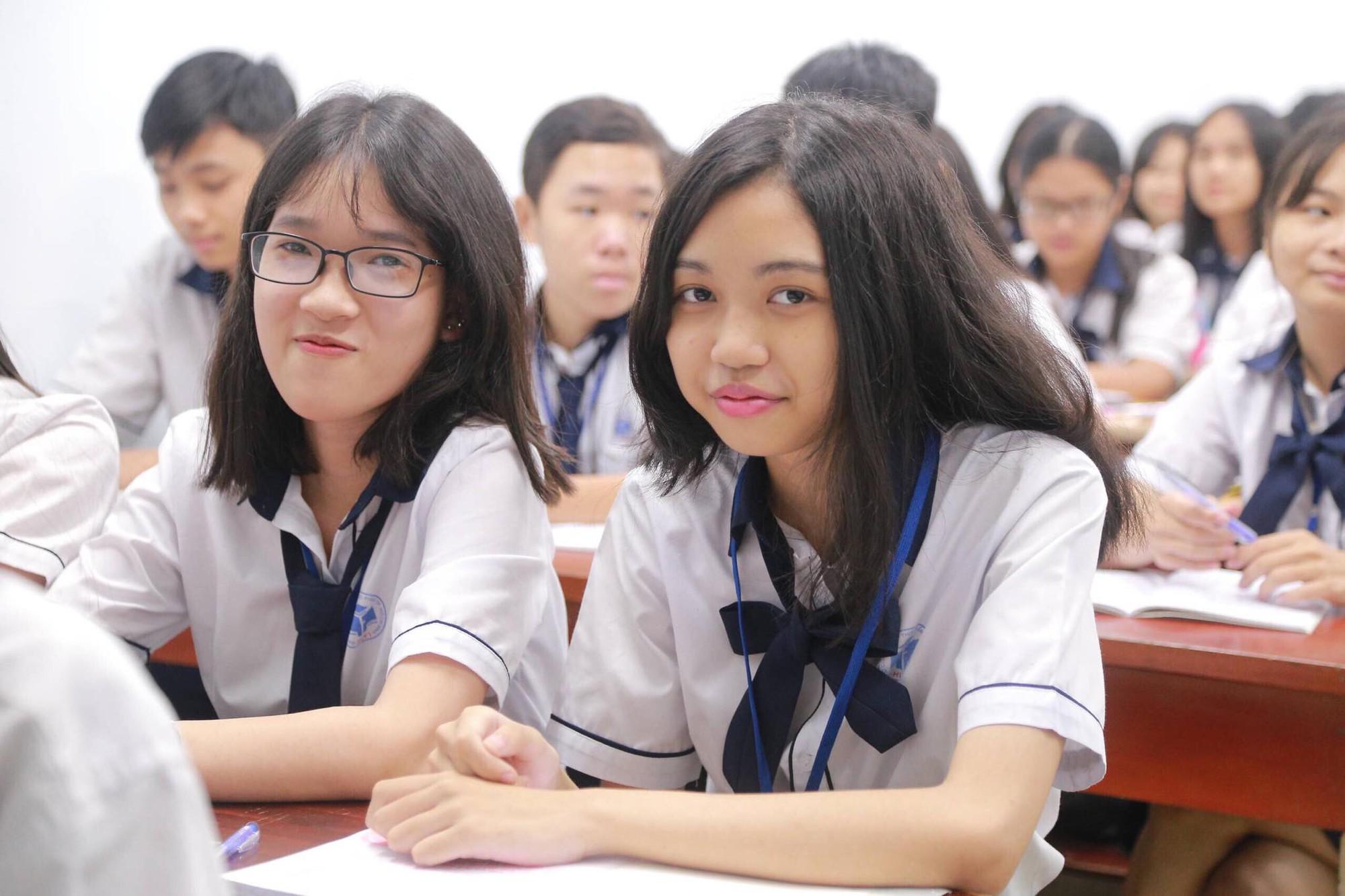 100% học sinh tốt nghiệp THPT được xét vào cao đẳng, đại học