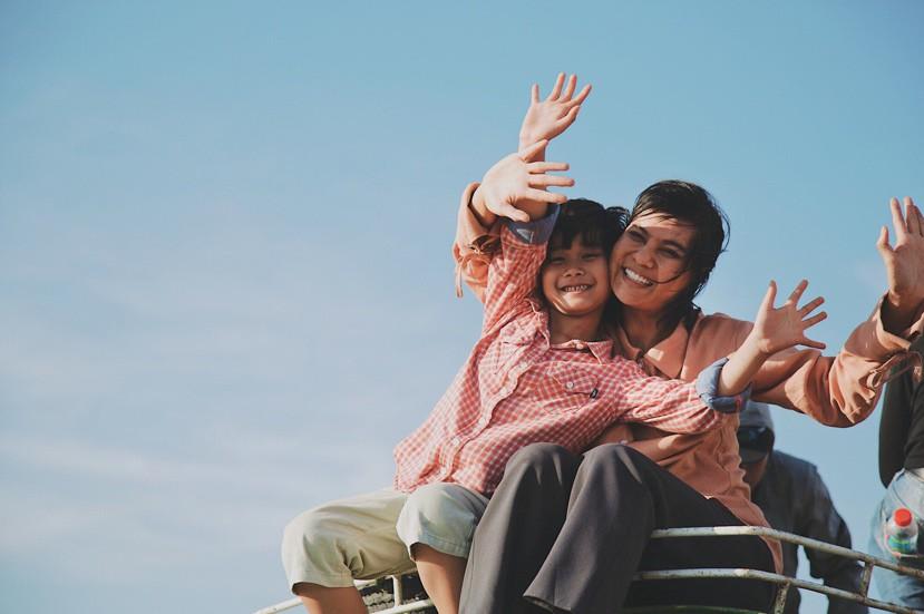 Hạnh phúc của mẹ: Đẫm nước mắt song vẫn tràn ngập màu sắc lạc quan - Ảnh 4.