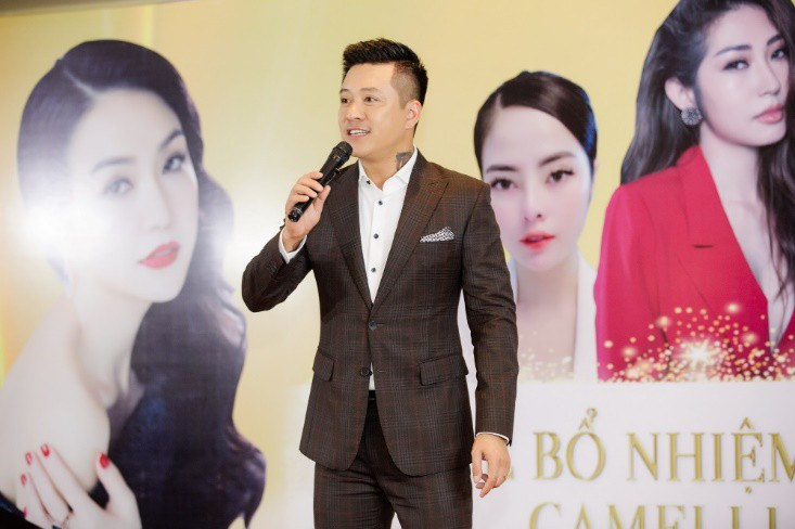 Khổng Tú Quỳnh diện váy bó sát, đẹp rạng rỡ trong ngày lên chức CEO - Ảnh 2.