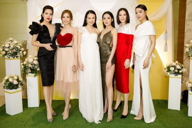 Khổng Tú Quỳnh diện váy bó sát, đẹp rạng rỡ trong ngày lên chức CEO - Ảnh 6.