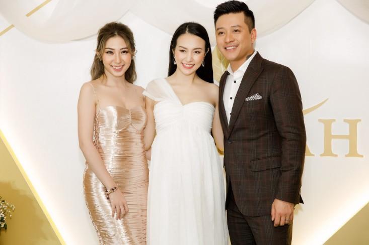 Khổng Tú Quỳnh diện váy bó sát, đẹp rạng rỡ trong ngày lên chức CEO - Ảnh 8.