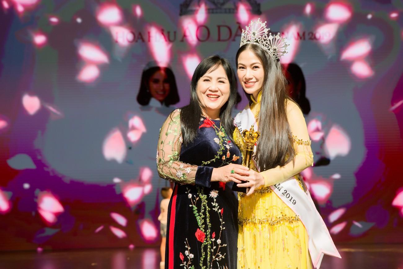 Giọng ca Sao Mai đăng quang Hoa hậu Áo dài Việt Nam 2019 - Ảnh 8.