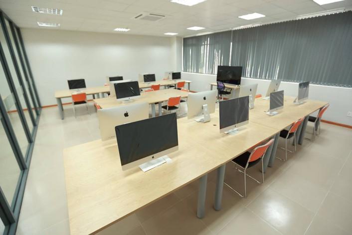 Đầu tư nguyên dàn iMac cho một phòng học – sinh viên ở đây còn gì sướng bằng! - Ảnh 2.