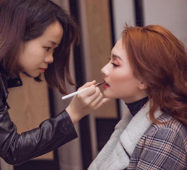 Make-up: Nghề của sự sáng tạo và hiện đại - Ảnh 1.