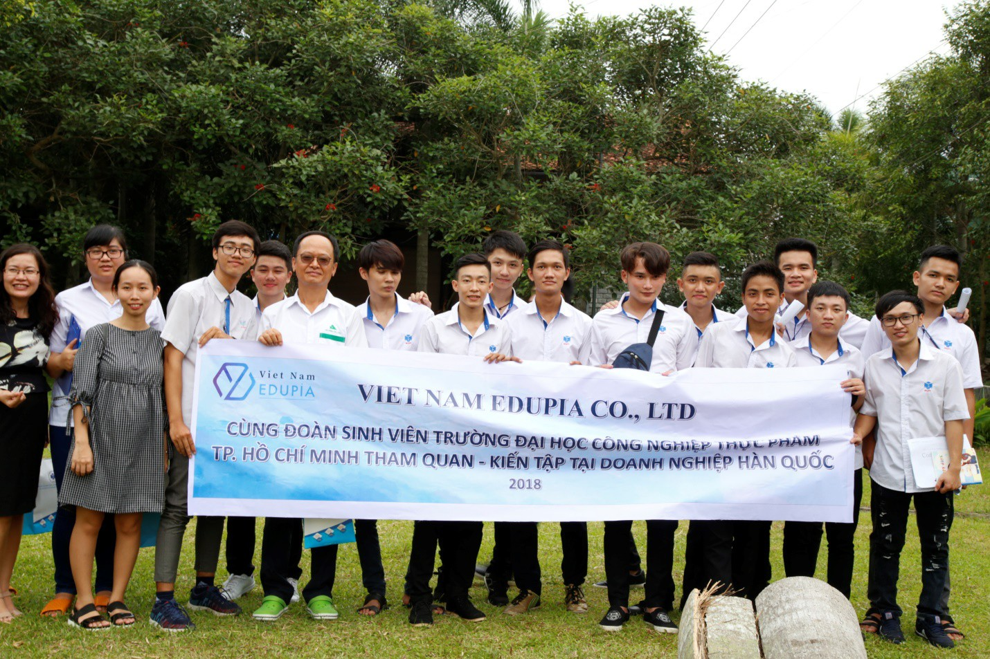 Cam kết việc làm khi học hệ cao đẳng tại trường ĐH Công nghiệp Thực phẩm TP.Hồ Chí Minh - Ảnh 2.