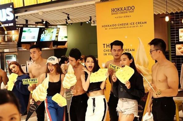 Sự kiện hot tại phố đi bộ - tặng 1000 bánh nướng phô mai Hokkaido - Ảnh 6.