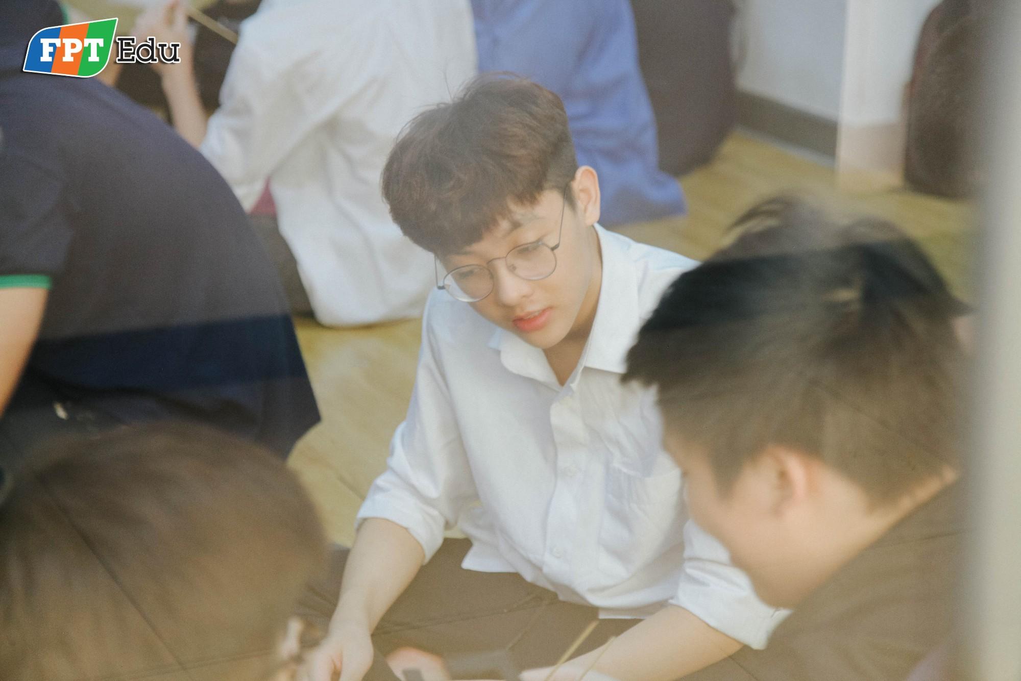 Học sinh FPT tự tay làm thí nghiệm khoa học với trường dạy dầu khí hàng đầu Malaysia - Ảnh 9.