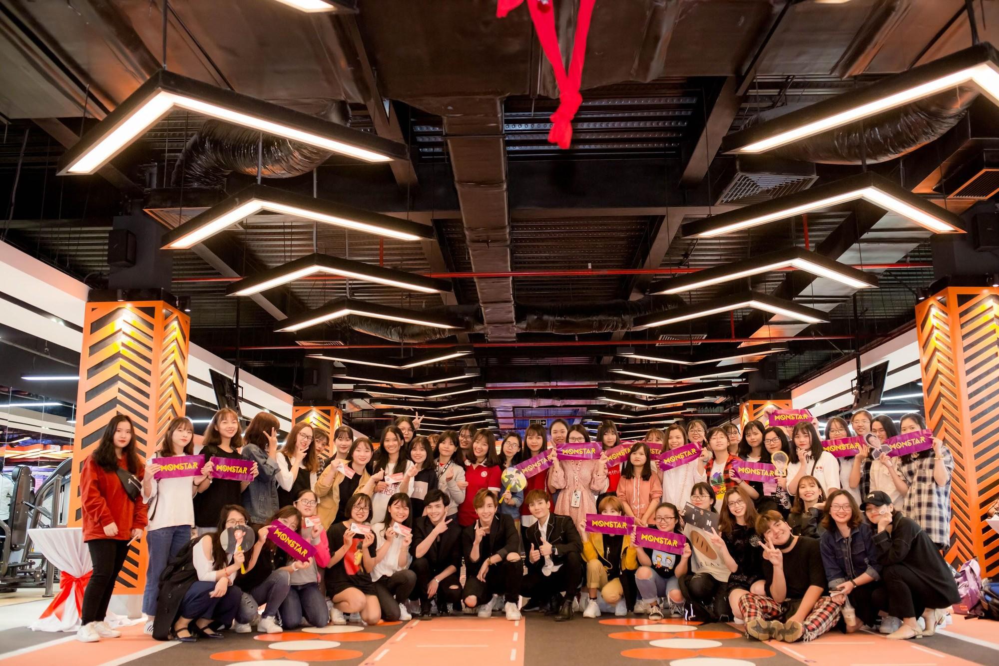"""Monstar """"quẩy"""" hết mình cùng các Moonee trong buổi họp fan-meeting tại Fit24 Chương Dương Độ - Ảnh 10."""