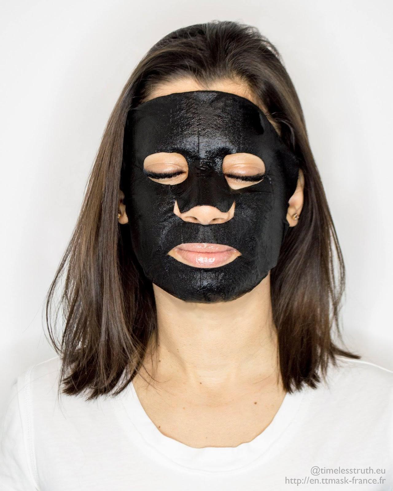 Timeless Truth Mask Black Charcoal: Thêm một loại mặt nạ Đài Loan xịn sò cho chị em chăm da láng mịn chơi hè - Ảnh 2.