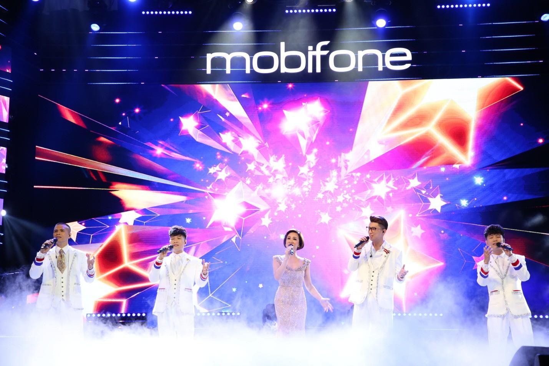 """Mobifone """"gửi trọn yêu thương"""" – Đêm nhạc của sự ấm áp và lan tỏa - Ảnh 1."""
