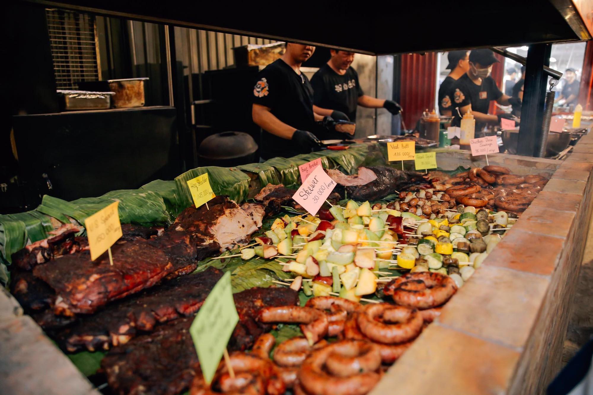 Tổng hợp những món ăn nhất định phải thử khi đặt chân tới Sài Gòn - Ảnh 1.