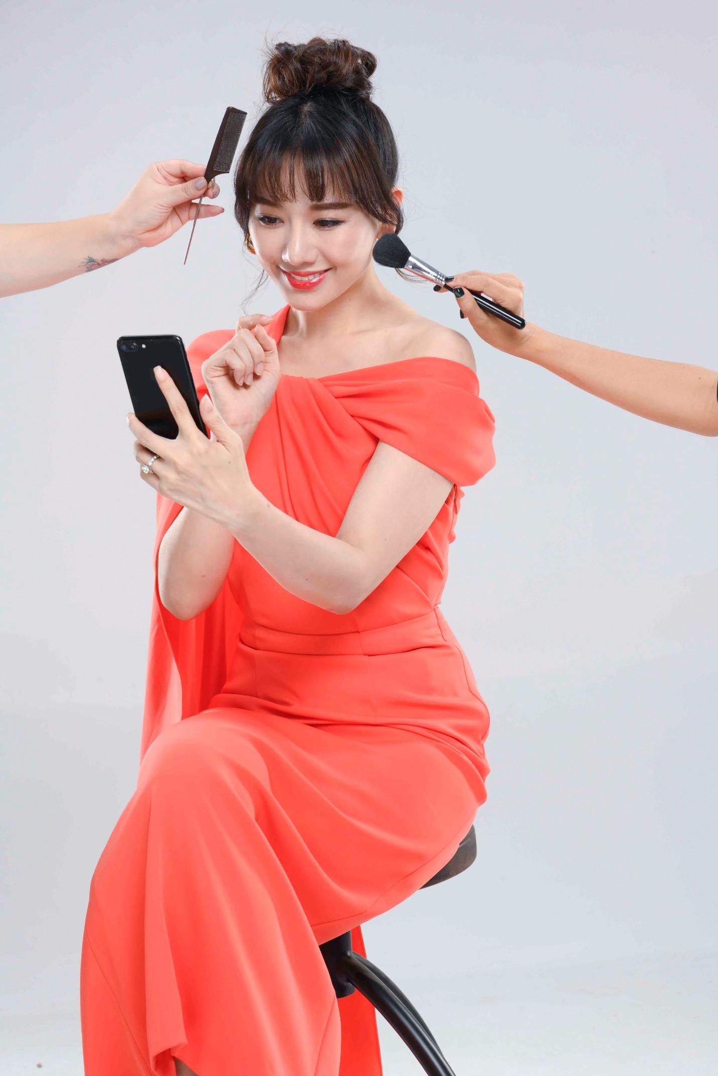 Hari Won tung ảnh tình cảm bên Trấn Thành, phủ nhận tin đồn mang thai - Ảnh 3.