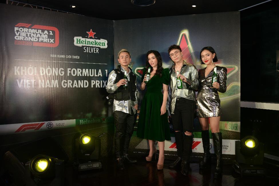 Trước giờ G, huyền thoại F1 David Coulthard gửi lời chào fan Việt, sẵn sàng cho màn trình diễn mãn nhãn tại SVĐ Mỹ Đình - Ảnh 3.