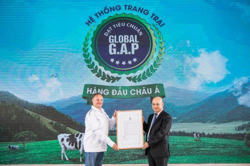 Mô hình Resort bò sữa đạt chuẩn Global G.A.P. –  Chìa khóa tạo dựng niềm tin của người tiêu dùng với sản phẩm sữa tươi - Ảnh 2.