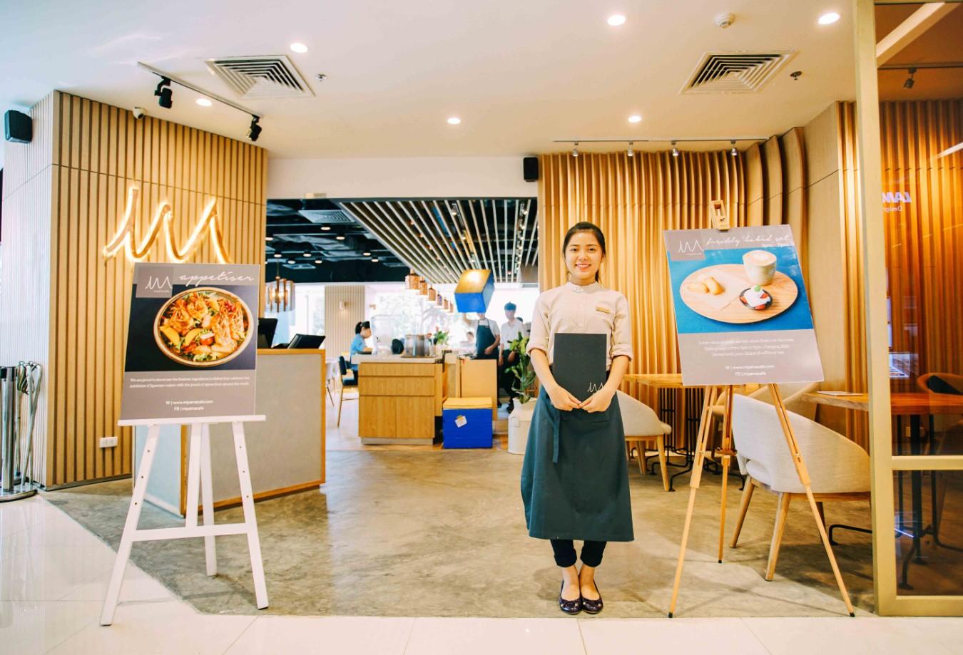 """3 điều khiến vlogger người Nhật """"phải lòng"""" món cơm cà ri sang chảnh tại Sài Gòn - Ảnh 1."""
