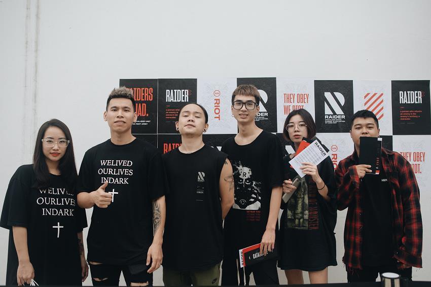 Nóng hơn thời tiết mùa hè, sự kiện ra mắt BST Raider từ Hanoi Riot gây tiếng vang trong giới local brand Việt Nam - Ảnh 2.