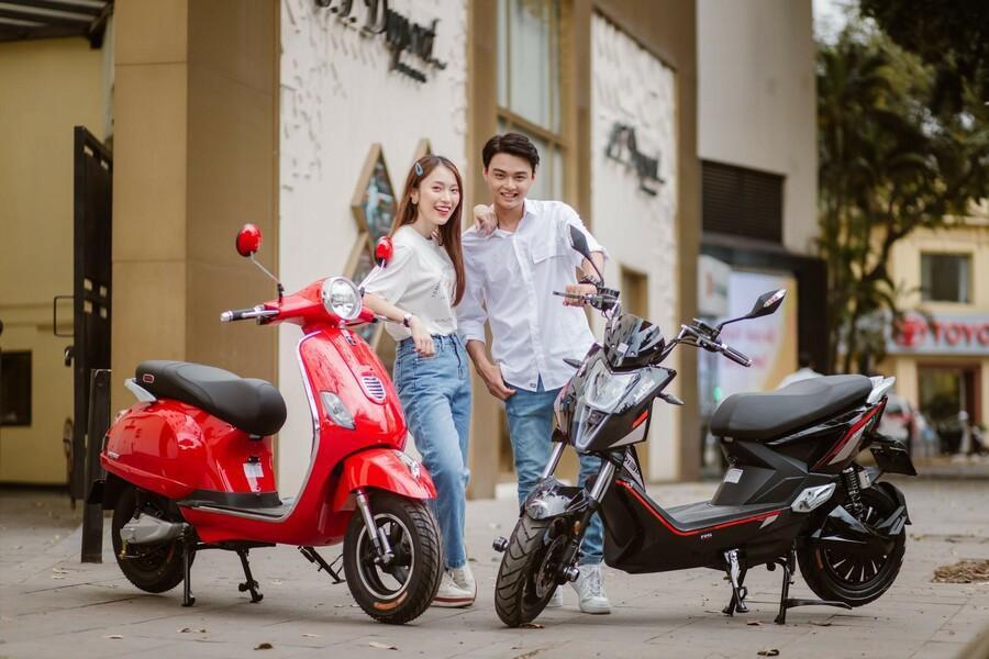 Bắt gặp hotgirl 7 thứ tiếng Khánh Vy sánh đôi cùng trai lạ trên xe điện Dibao - Ảnh 3.