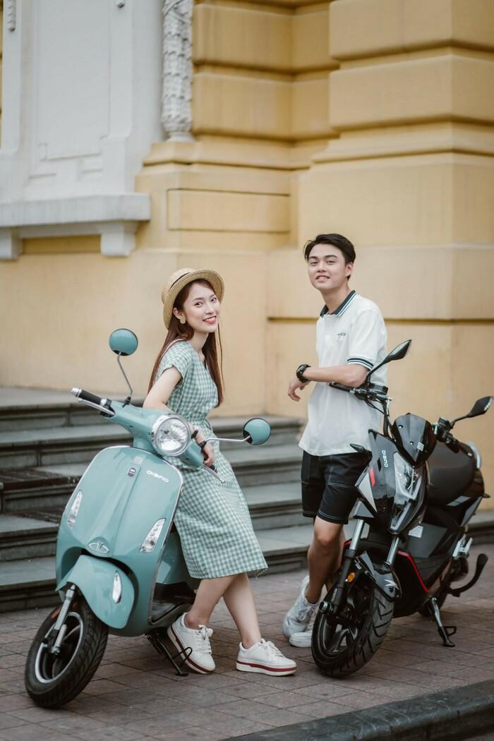 Bắt gặp hotgirl 7 thứ tiếng Khánh Vy sánh đôi cùng trai lạ trên xe điện Dibao - Ảnh 4.