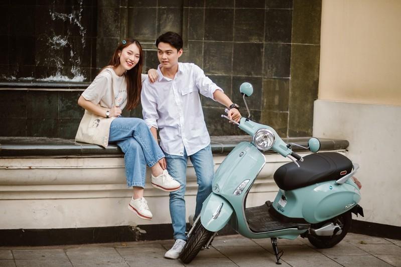 Bắt gặp hotgirl 7 thứ tiếng Khánh Vy sánh đôi cùng trai lạ trên xe điện Dibao - Ảnh 6.