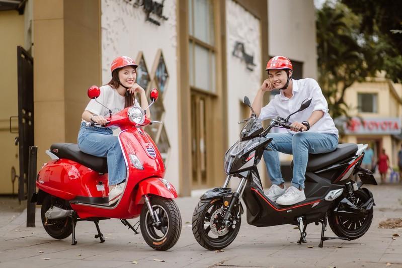 Bắt gặp hotgirl 7 thứ tiếng Khánh Vy sánh đôi cùng trai lạ trên xe điện Dibao - Ảnh 9.