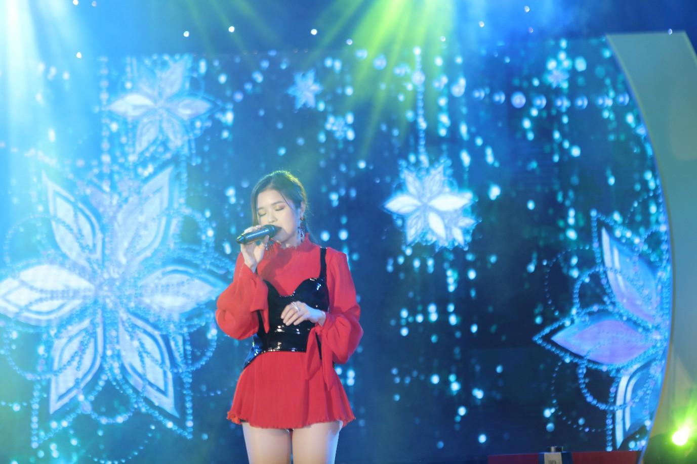 Phương Ly - JustaTee mặc đồ đôi song ca, AMEE đem hit mới lên sân khấu - Ảnh 6.
