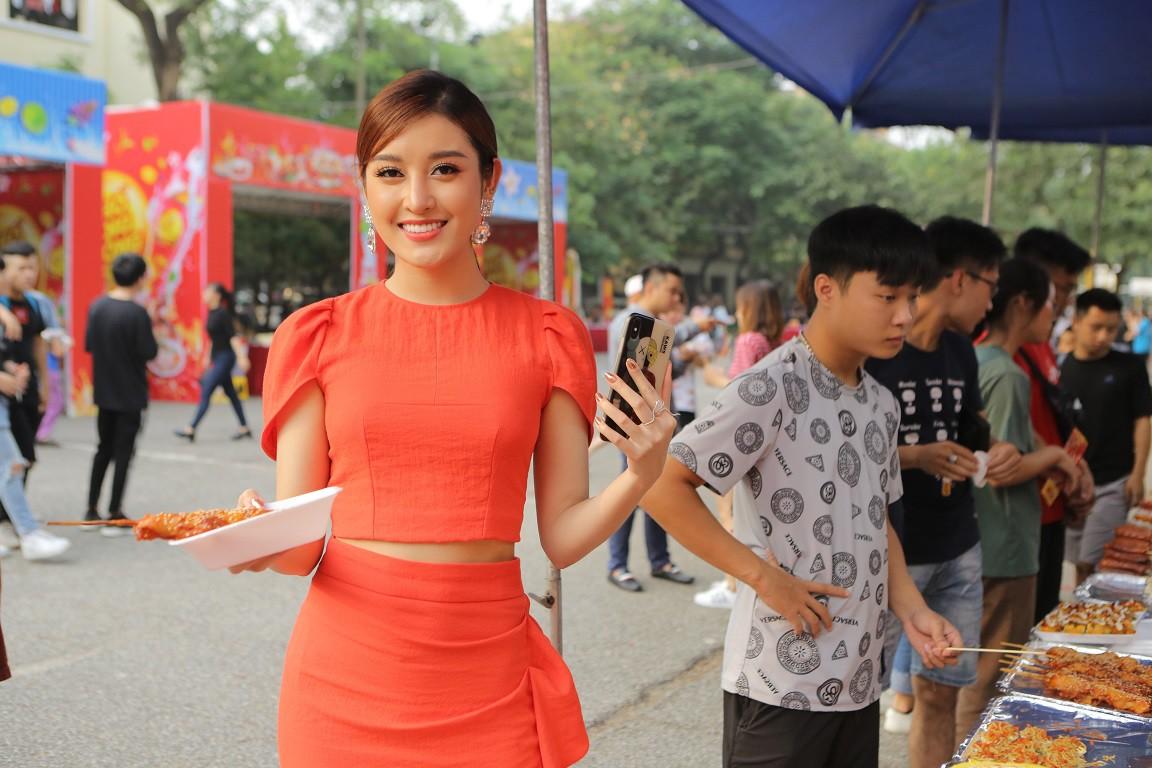 Giới trẻ Hà Nội mãn nhãn với đêm đại nhạc hội khai màn Phố Hàng Nóng - Ảnh 8.
