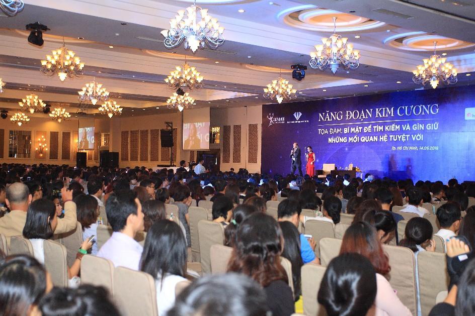 Nhà sáng lập Năng Đoạn Kim Cương Michael Roach đến Việt Nam chia sẻ về mối quan hệ trong kinh doanh - Ảnh 1.