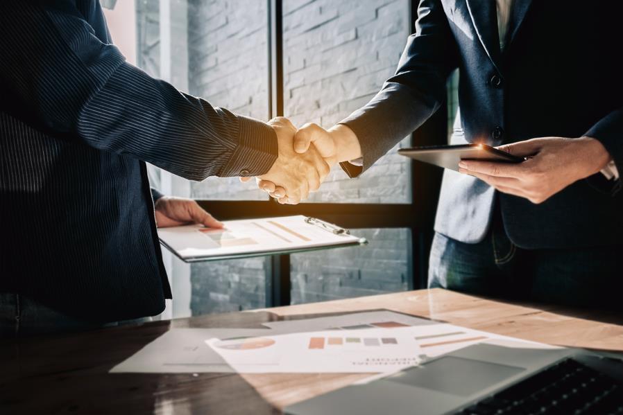 Nhà sáng lập Năng Đoạn Kim Cương Michael Roach đến Việt Nam chia sẻ về mối quan hệ trong kinh doanh - Ảnh 2.