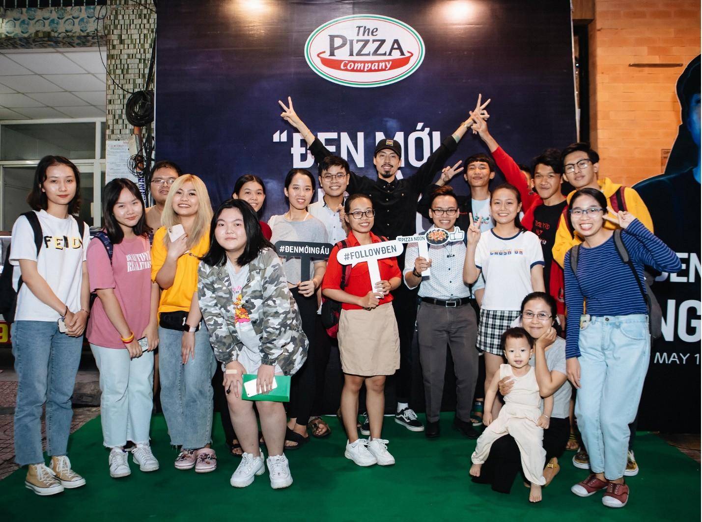 Đen Vâu góp mặt trong sự kiện ra mắt pizza mới khiến fan đi từ bất ngờ đến phấn khích tột đỉnh - Ảnh 1.