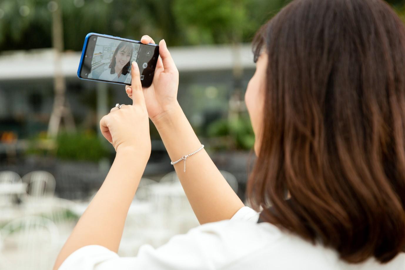 """3 thay đổi trong selfie thời 4.0 với HONOR 20 LITE giúp bạn sở hữu bức ảnh """"đếm like mệt xỉu"""" - Ảnh 7."""