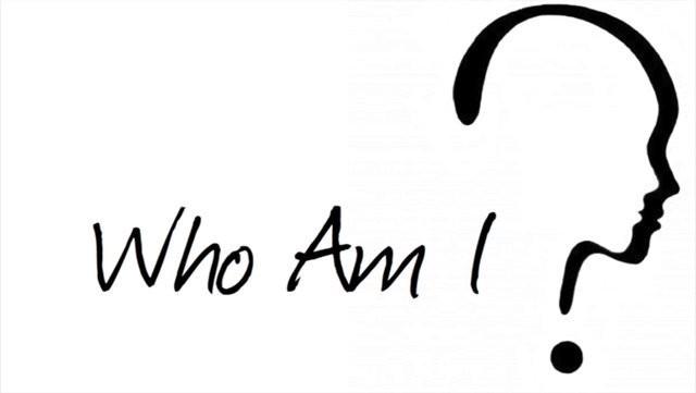 """Từ câu hỏi """"Tôi Là Ai"""" đến loạt câu chuyện truyền cảm hứng của Hương Giang, Đen Vâu, Hoàng Thùy - Ảnh 1."""