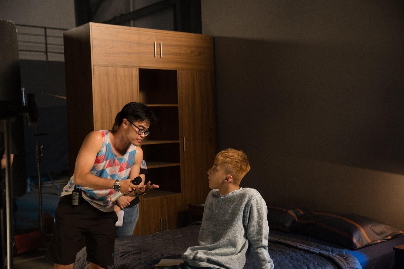 """Tiết lộ những khoảnh khắc hậu trường hiếm hoi của Sơn Tùng M-TP trong phim ngắn """"Tôi đã 'lì' như thế đó"""" - Ảnh 8."""