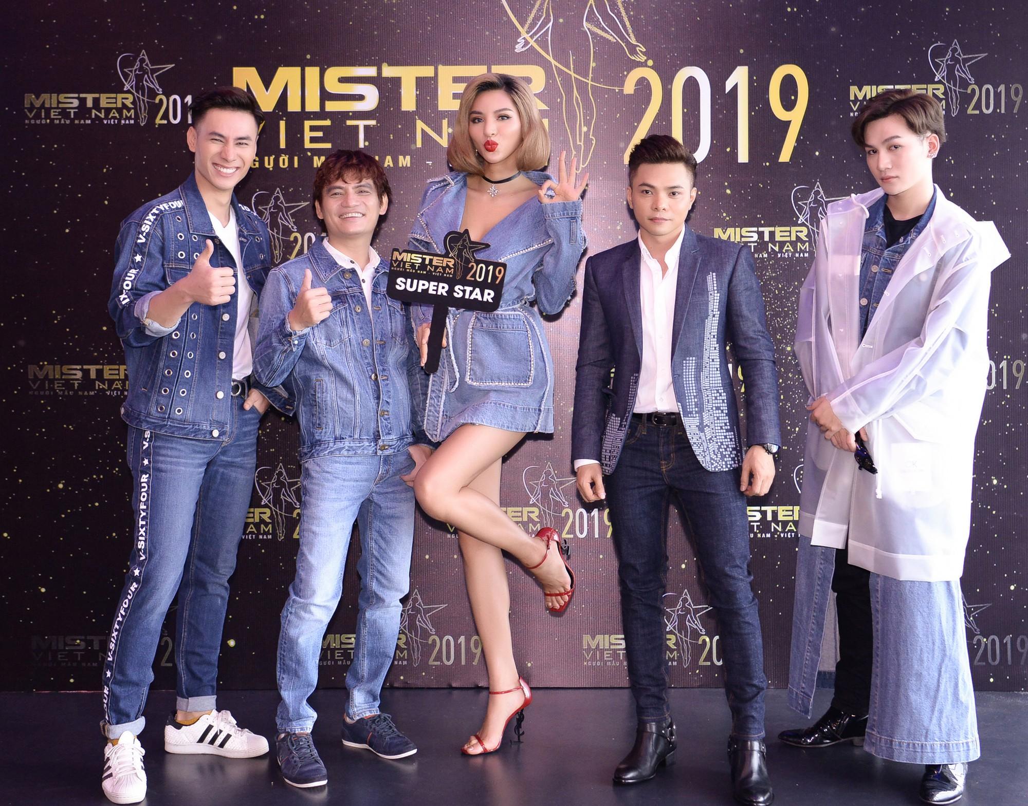 """Loạt sao Việt tham gia huấn luyện hình mẫu người đàn ông """"chuẩn"""" ở Mister Việt Nam 2019 - Ảnh 1."""
