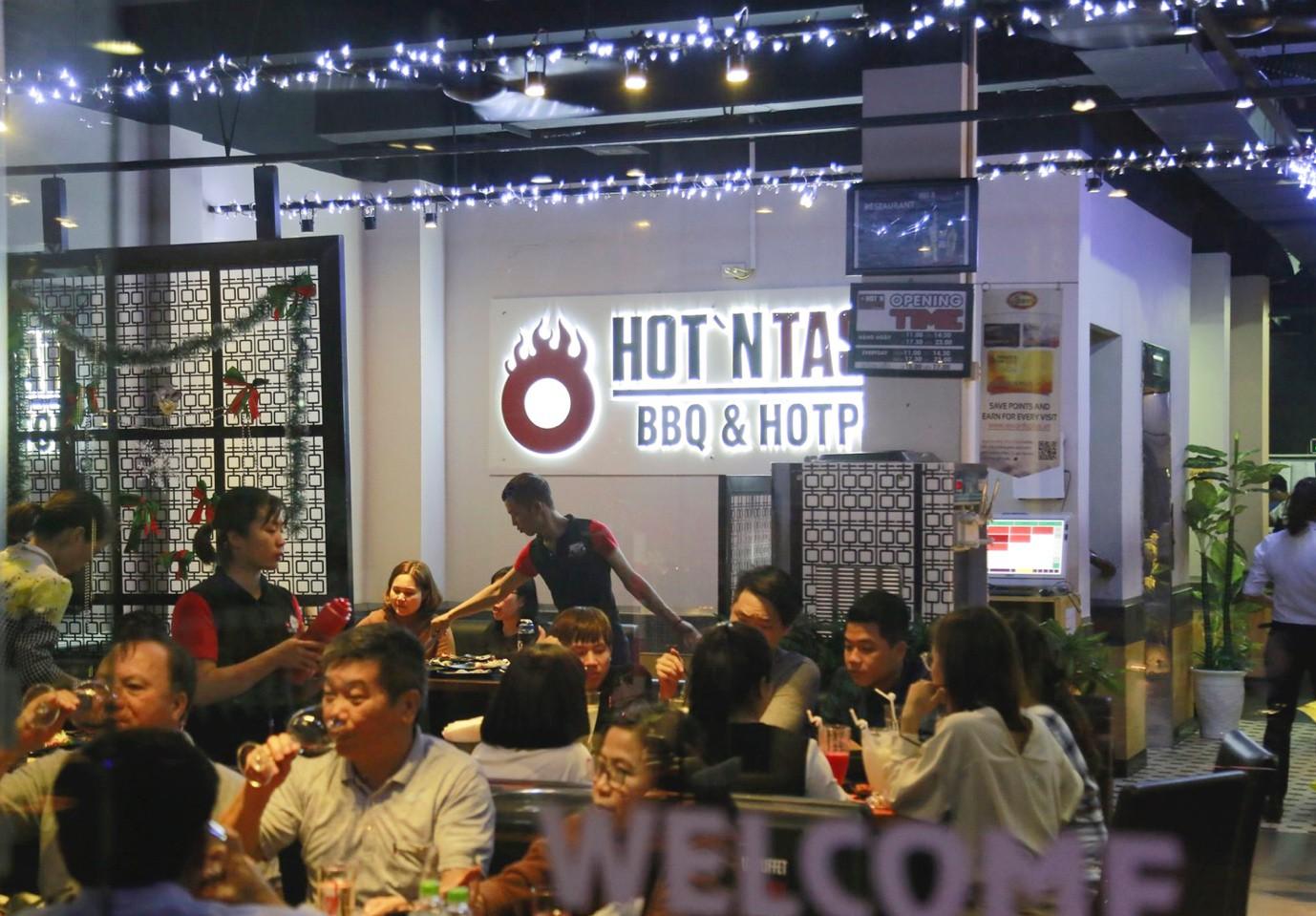 Hot hơn cả mùa hè Hà Nội – buffet lẩu nướng hơn 50 món tại HotnTasty đang giảm 50% người thứ 2 - Ảnh 4.