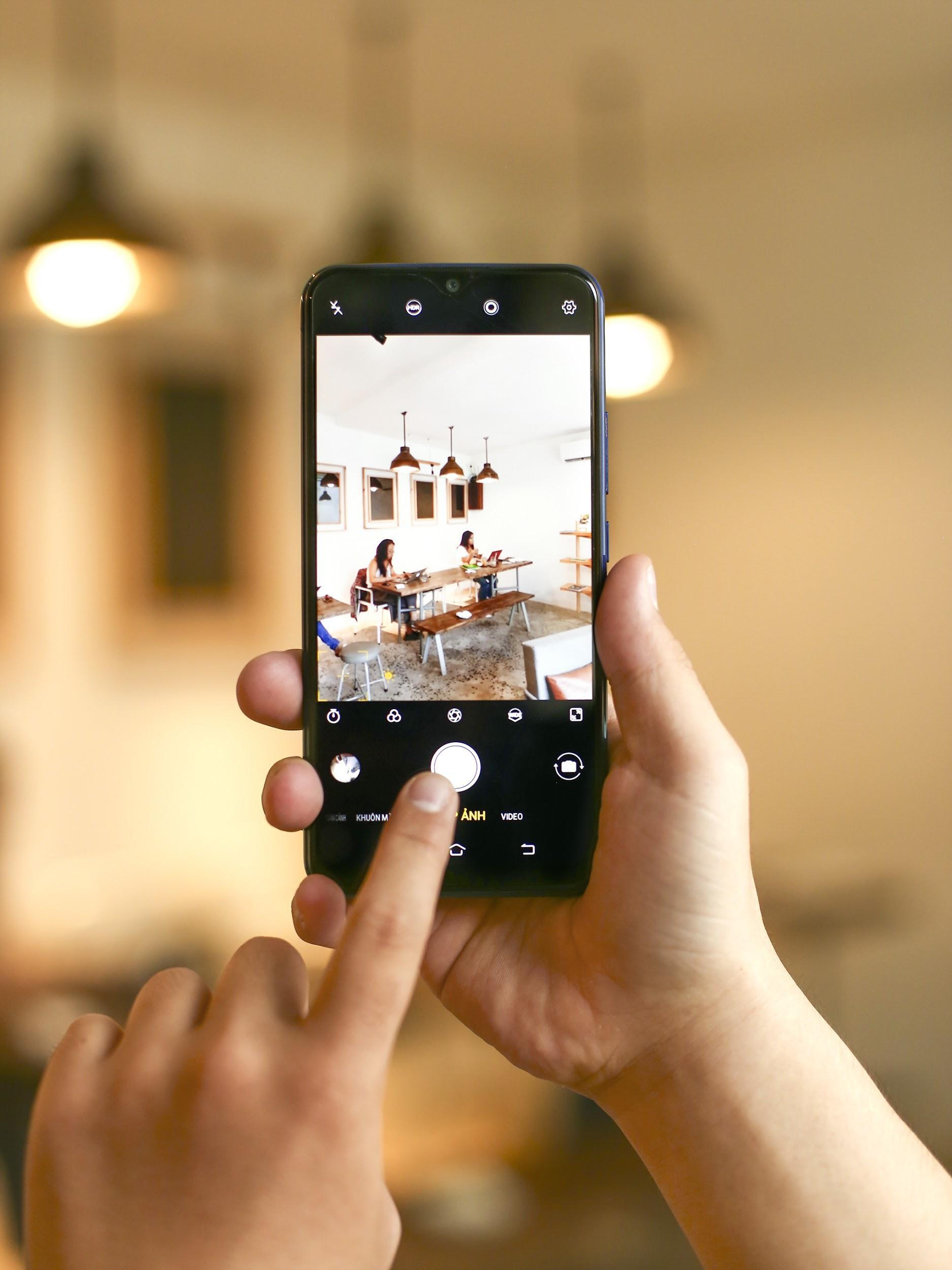 """Vivo Y15 - Smartphone pin trâu xài lâu đang """"sốt"""" với đợt sale sâu 700.000đ - Ảnh 2."""